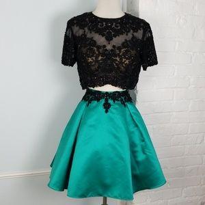 Vivi Ta Skirt set